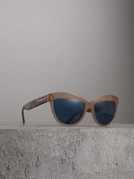 Doodle Cat-eye Frame Sunglasses in Trench
