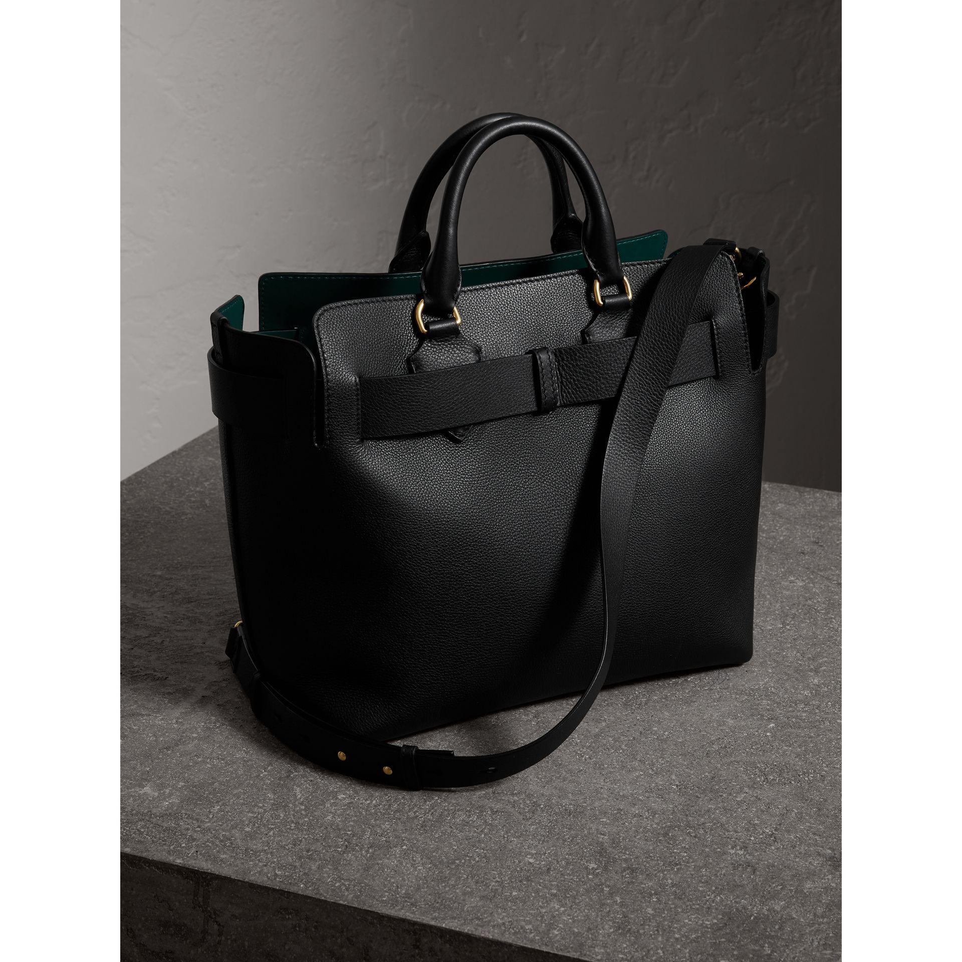 The Medium Leather Belt Bag in Black - Women | Burberry United Kingdom - gallery image 4