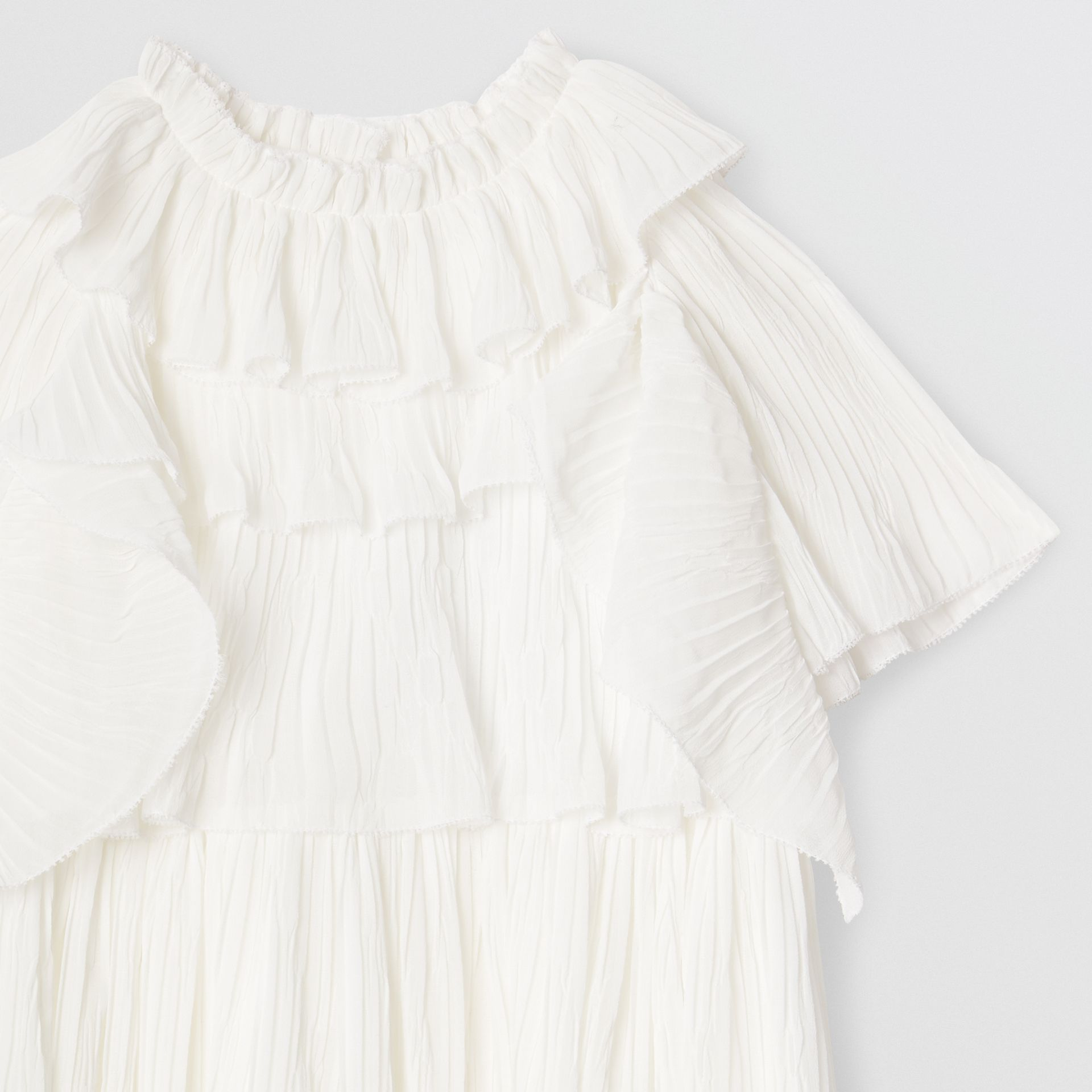 Robe en voile plissé à volants (Blanc Naturel) | Burberry Canada - photo de la galerie 4