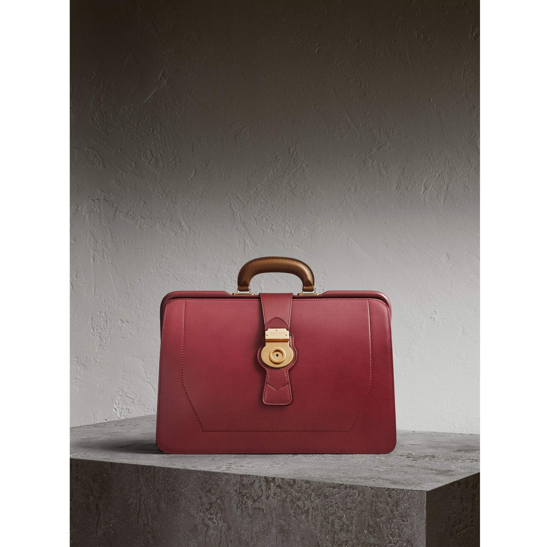 Sac docteur DK88 (Rouge Antique) - Homme | Burberry - photo de la galerie 1