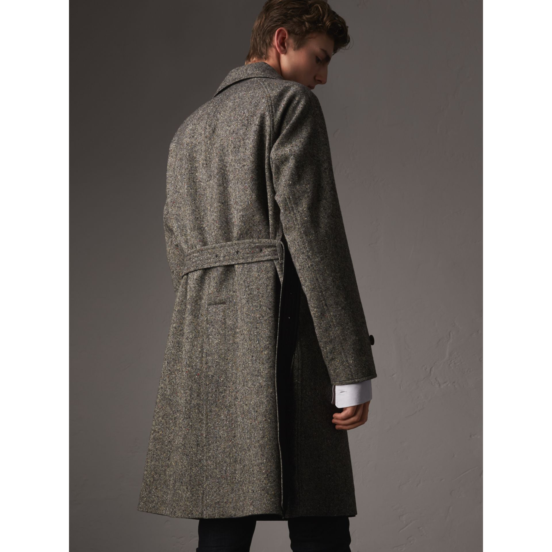 Trench coat in gabardine e tweed Donegal double face (Nero) - Uomo | Burberry - immagine della galleria 3