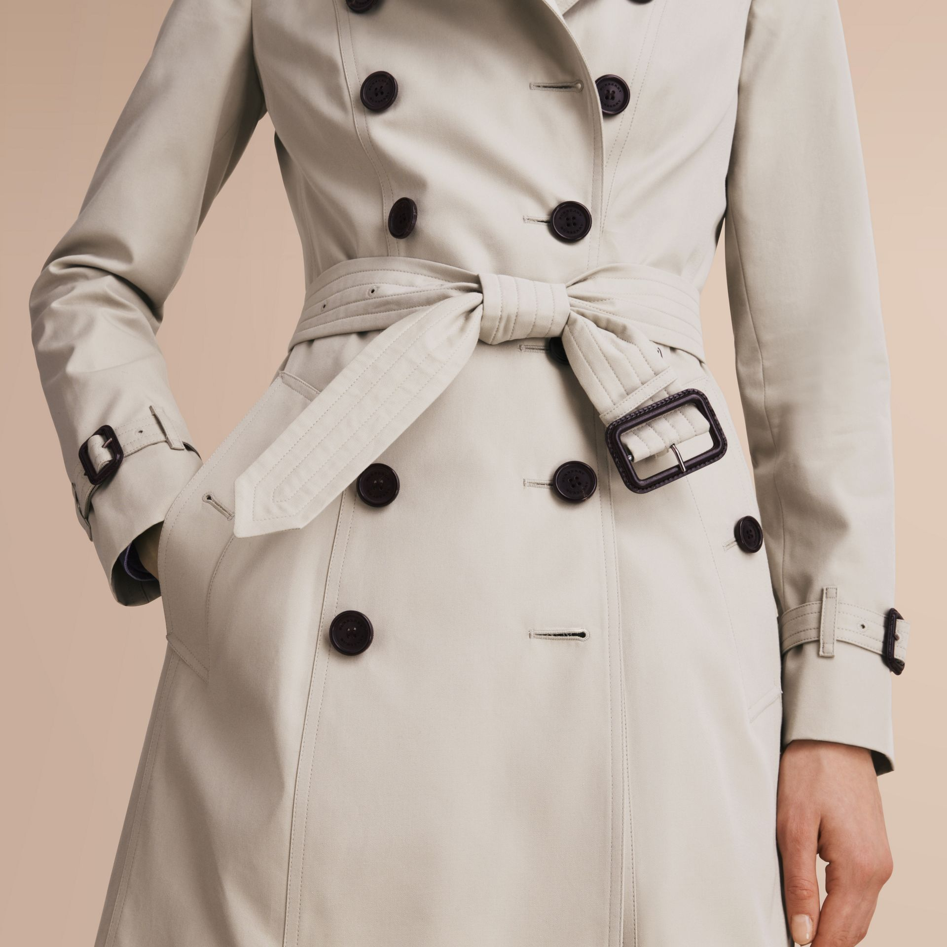 The Chelsea – Extra-long Heritage Trench Coat in Stone - Women | Burberry - gallery image 6