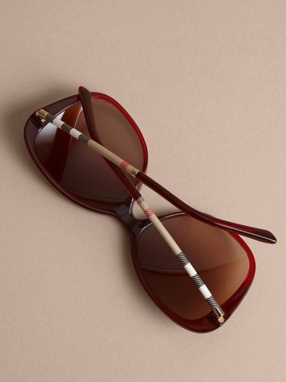 Check Detail Butterfly Frame Sunglasses Oxblood - cell image 3