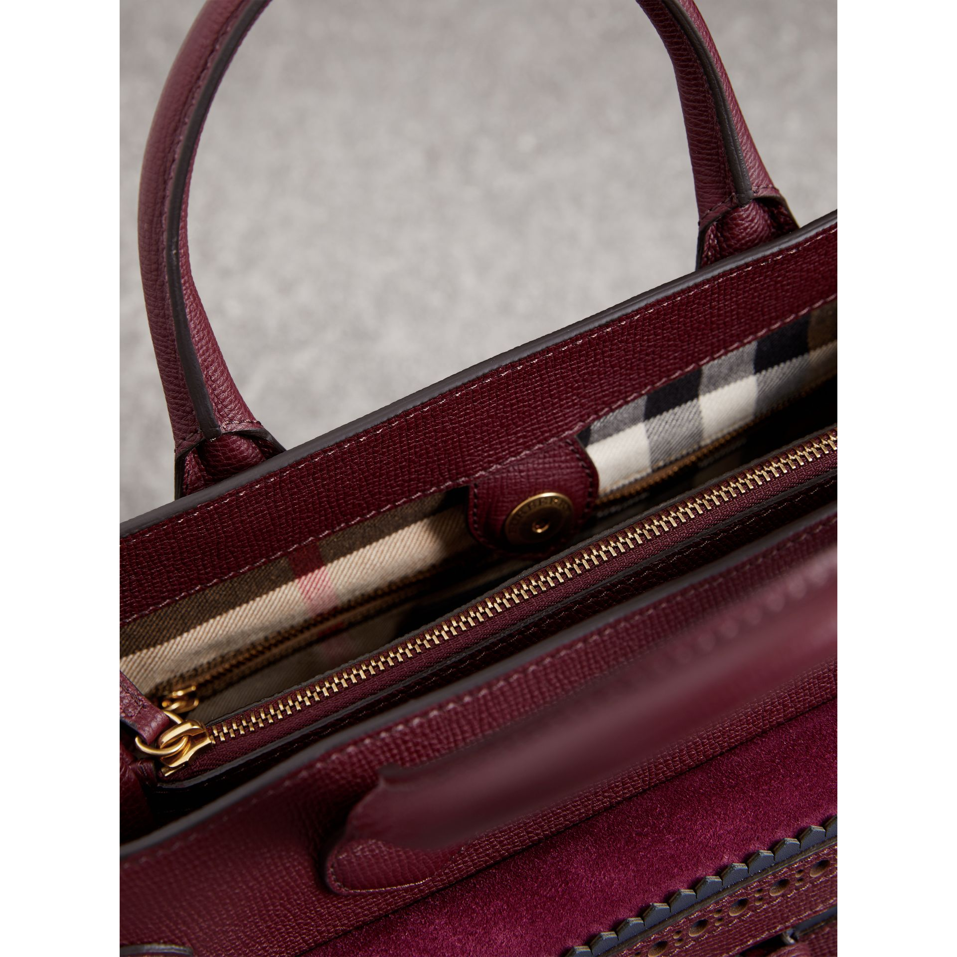 The Medium Banner in Leather with Fringed Pocket in Mahogany Red - Women | Burberry - gallery image 4