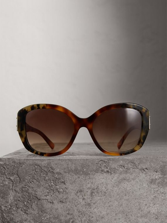 Buckle Detail Oversize Square Frame Sunglasses in Dark Ochre - Women | Burberry Singapore - cell image 3