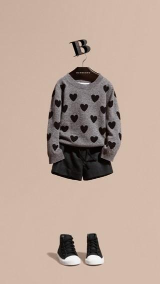 Pull en laine et cachemire avec motif à cœurs en intarsia