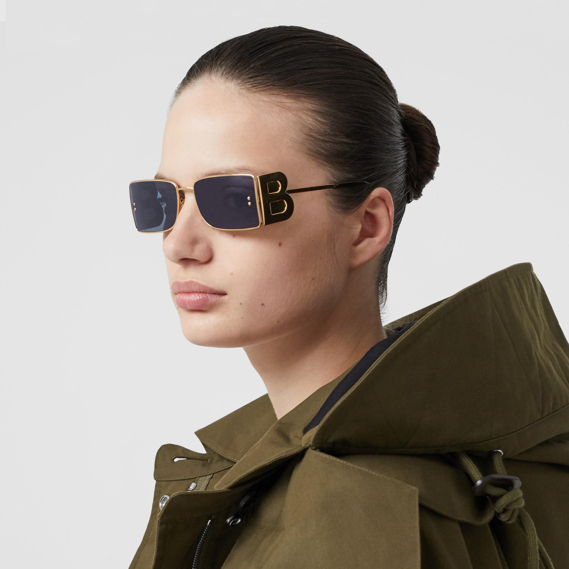 'B' Lens Detail Rectangular Frame Sunglasses in Tortoiseshell - Women | Burberry - gallery image 2