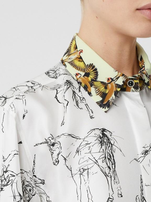 Camisa en sarga de seda con estampado de gorilas y unicornios (Blanco / Negro) - Mujer | Burberry - cell image 1