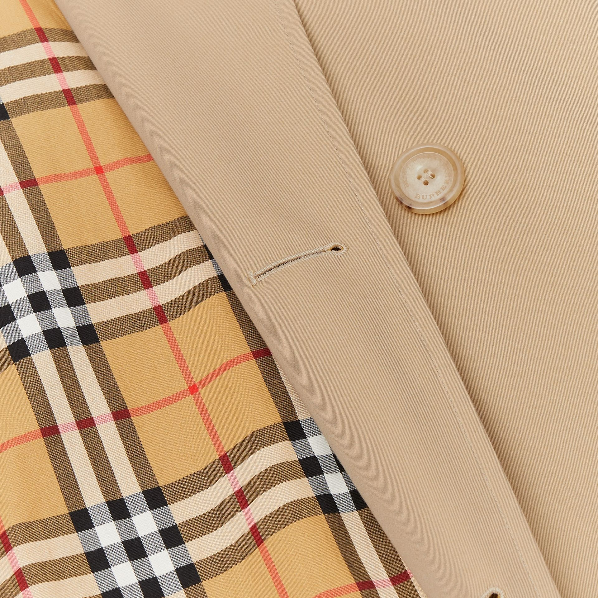 The Long Kensington Heritage Trench Coat in Honey - Men | Burberry Hong Kong S.A.R - gallery image 9