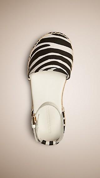 Sandales espadrilles à imprimé zébré