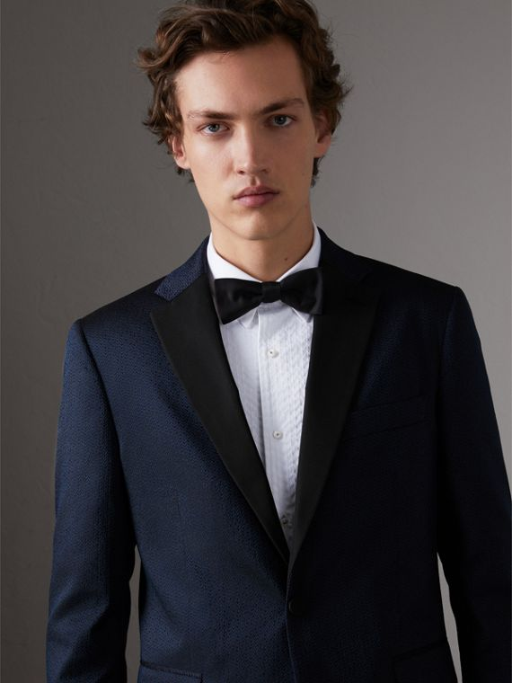 Soho Fit Jacquard Evening Jacket in Navy