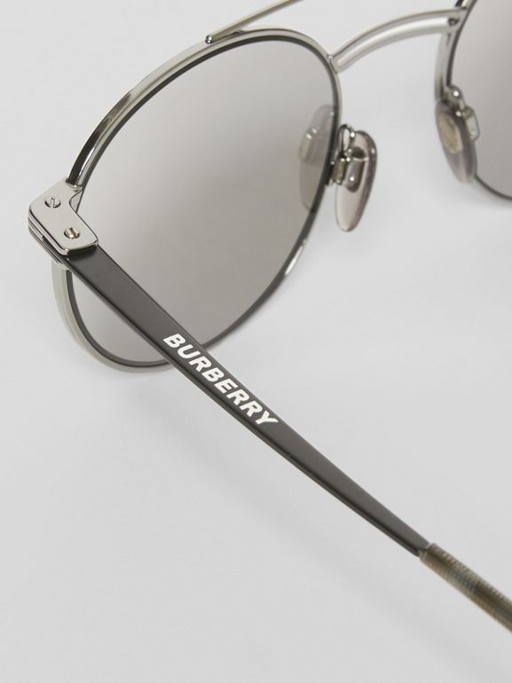 Top Bar Detail Round Frame Sunglasses in Gunmetal - Men | Burberry - cell image 1