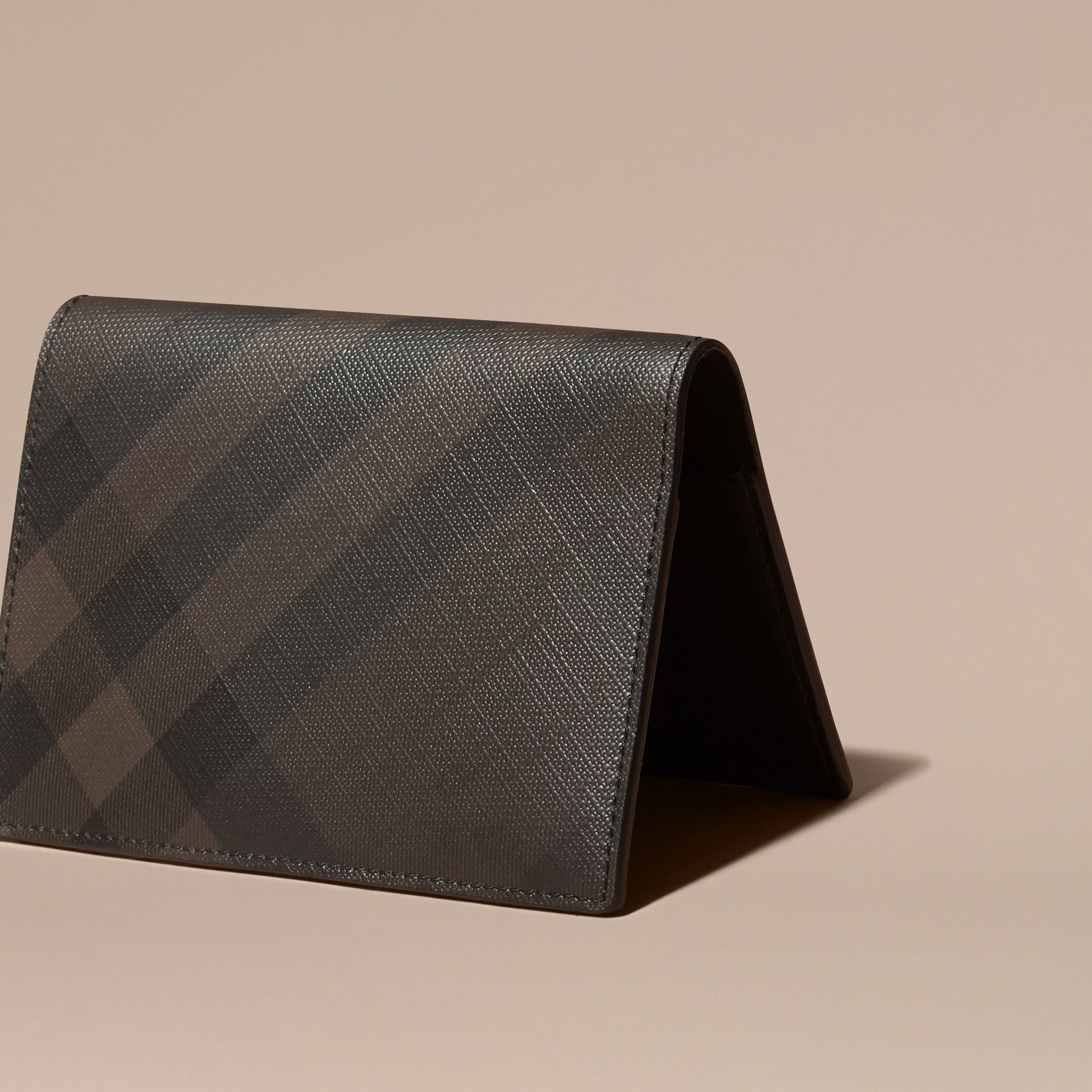 London Check and Leather Passport Holder Chocolate/black - gallery image 4