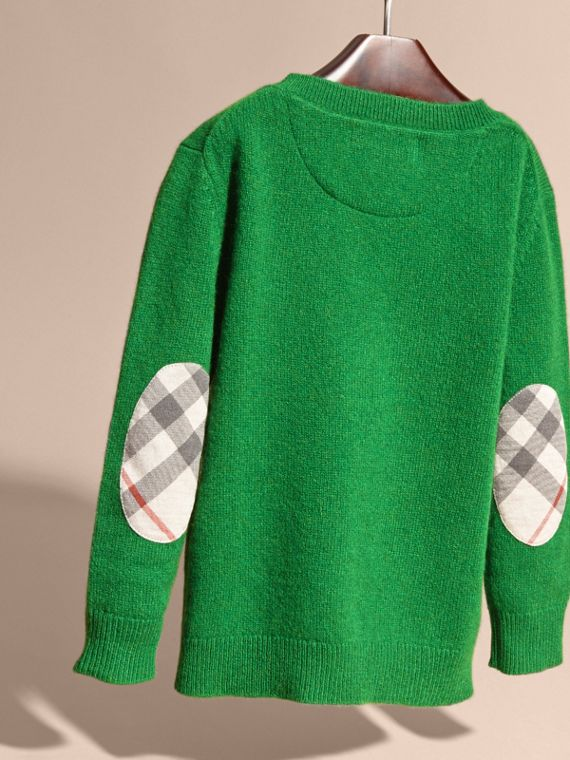 Check Elbow Patch Cashmere Sweater in Bright Pigment Green - cell image 3