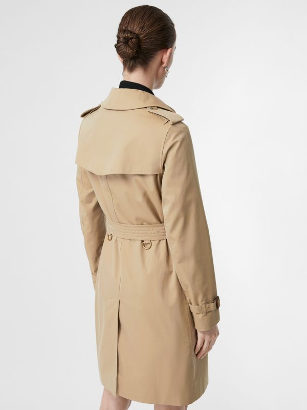 The Kensington Heritage Trench Coat in Honey - Women | Burberry United Kingdom - cell image 2