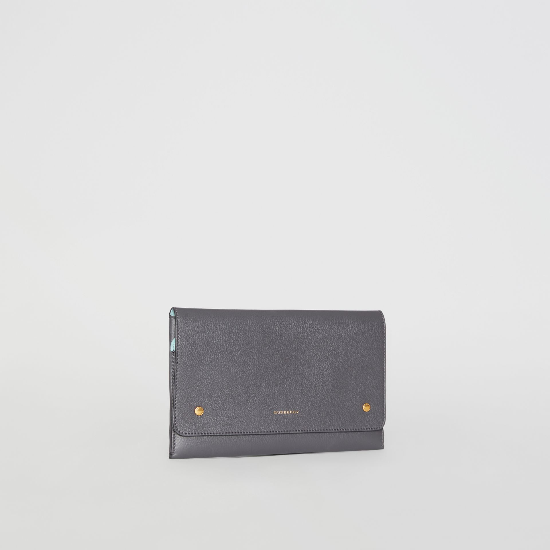 Clutch wristlet en cuir bicolore (Gris Anthracite) - Femme | Burberry - photo de la galerie 6