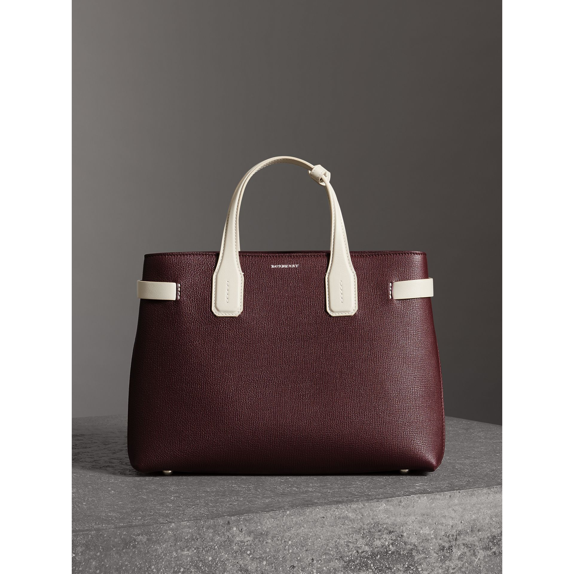 The Medium Banner in Two-tone Leather in Mahogany Red/limestone - Women | Burberry - gallery image 6