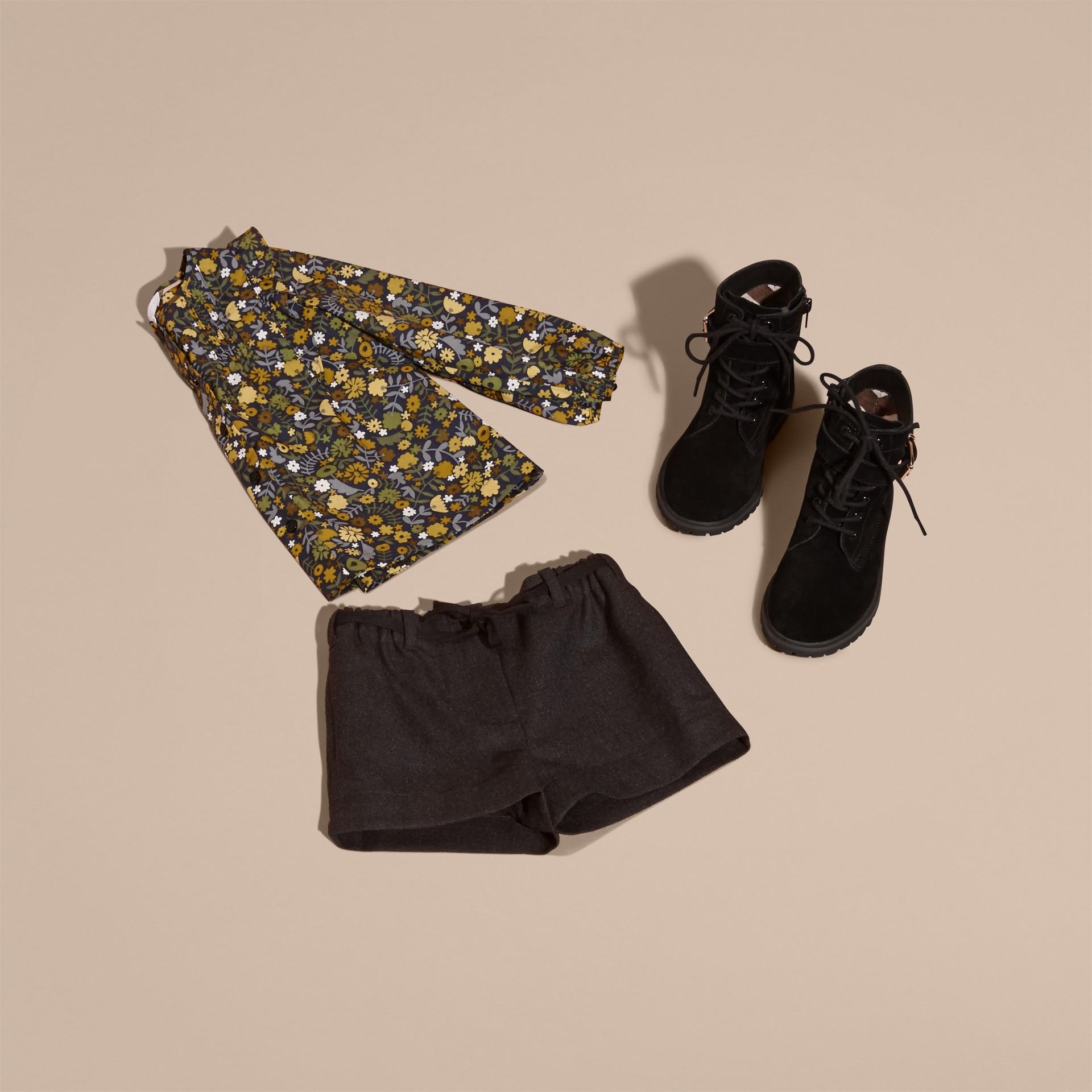 Rauchiges citrinfarben Bluse aus Baumwolle mit floralem Druck und Rüschendetail Rauchiges Citrinfarben - Galerie-Bild 5