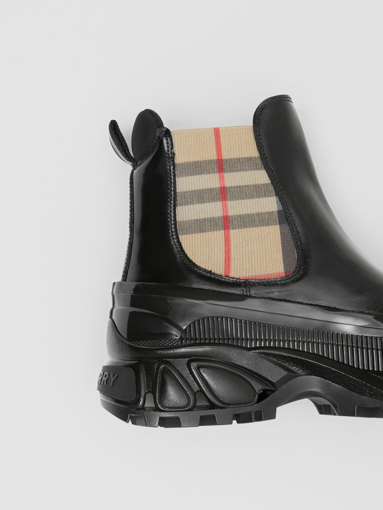 Vintage Check Detail Coated Canvas Chelsea Boots (Black/archive Beige)