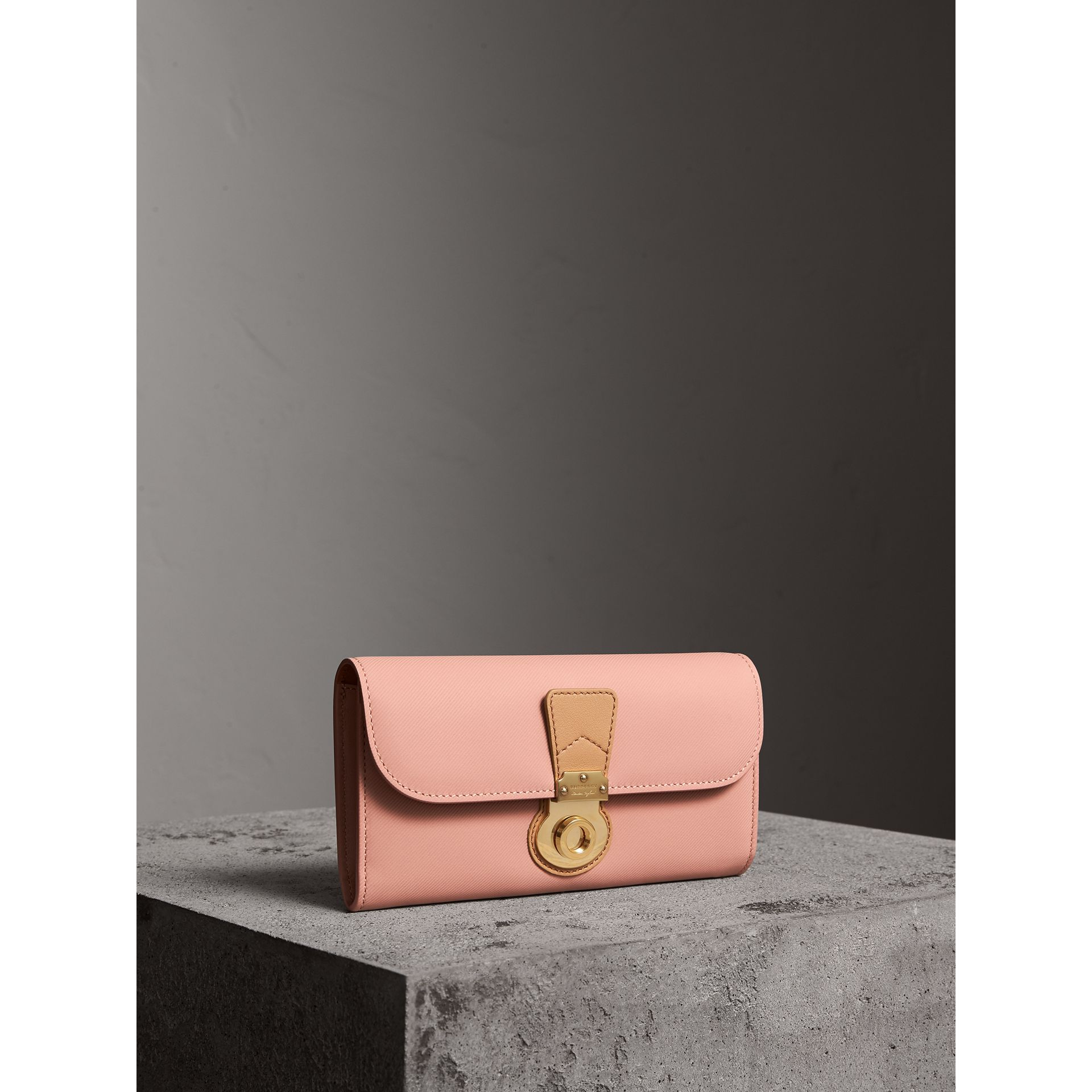 Two-tone Trench Leather Continental Wallet in Ash Rose/pale Clementine - Women | Burberry Singapore - gallery image 1