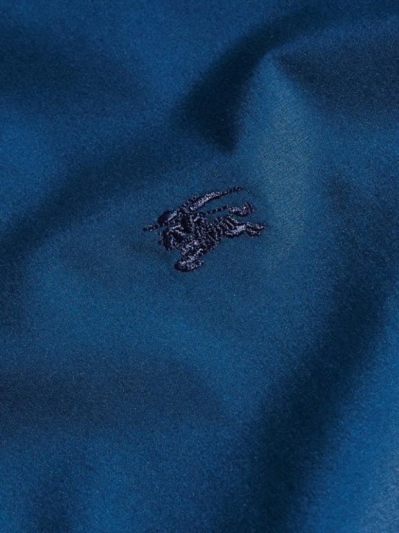 Camicia in popeline di cotone stretch con dettagli check (Blu Alzavola Intenso) - Uomo | Burberry - cell image 1
