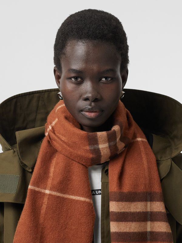 The Classic Check Cashmere Scarf in Chestnut | Burberry Australia - cell image 2