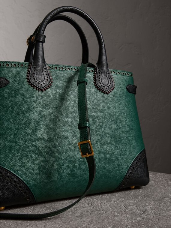 The Medium Banner in Brogue Detail Leather in Sea Green - Women | Burberry Australia - cell image 2