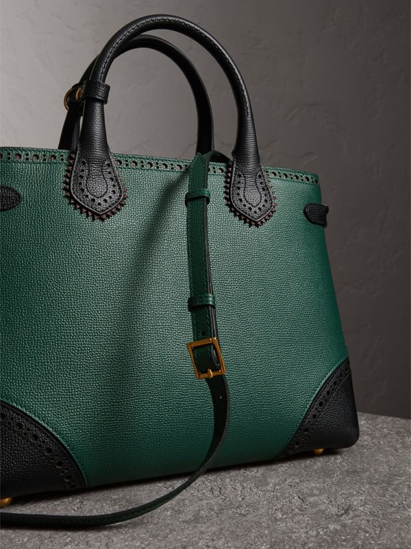 The Medium Banner in Brogue Detail Leather in Sea Green - Women | Burberry United Kingdom - cell image 2