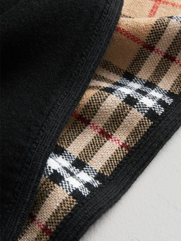 Reversible Vintage Check Merino Wool Jacquard Poncho in Black - Girl | Burberry United Kingdom - cell image 1
