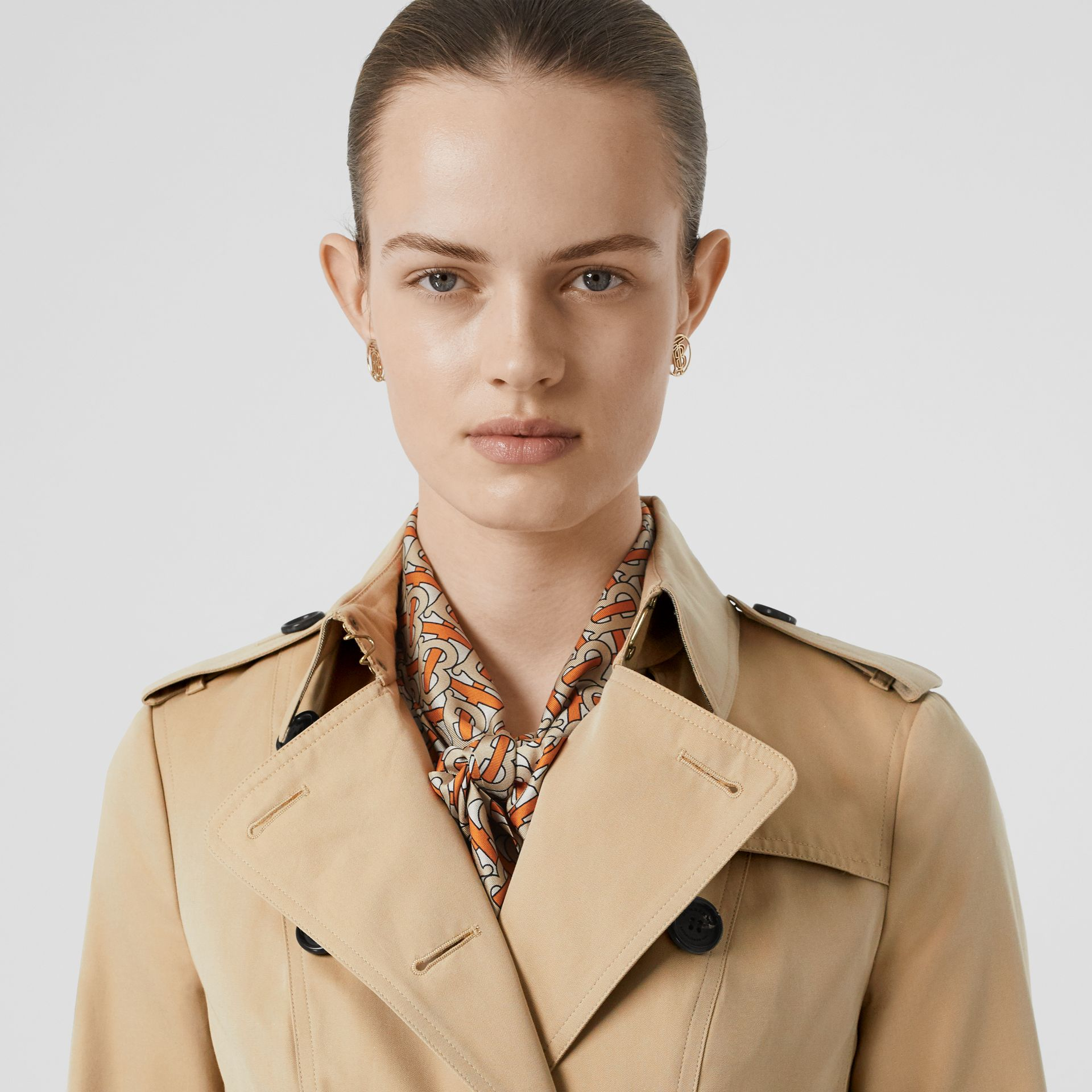 The Sandringham – Extra-long Trench Coat in Honey - Women | Burberry - gallery image 4