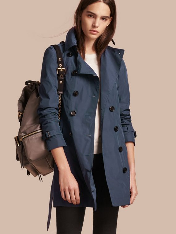 Trench-coat mi-long en tissu technique Marine