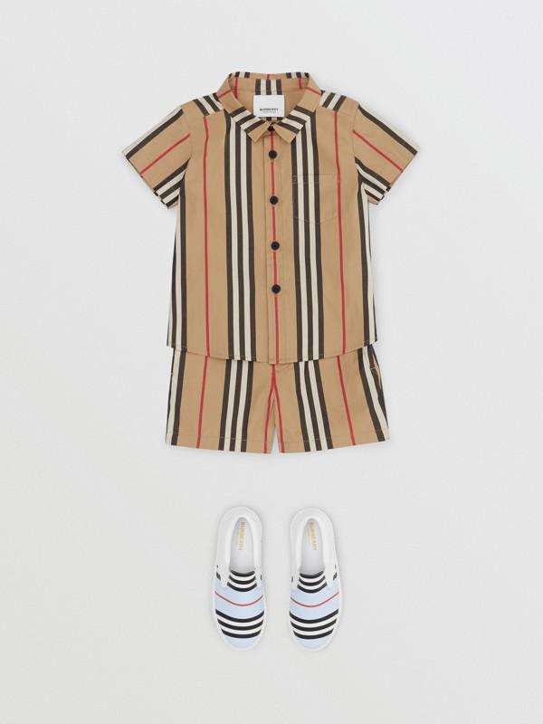 Short chino en coton à rayures iconiques (Beige D'archive) - Enfant | Burberry Canada - cell image 2