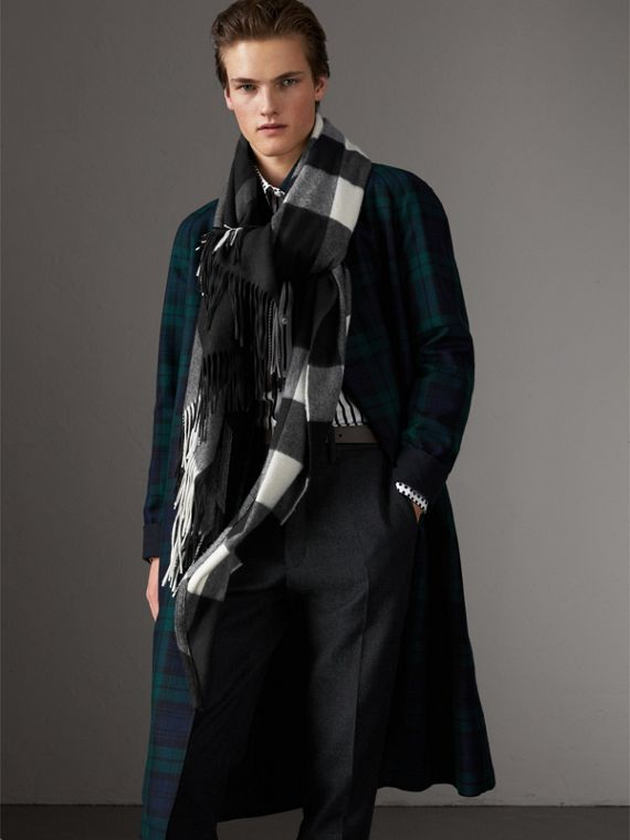 Check Cashmere Wrap in Black | Burberry United Kingdom - cell image 3