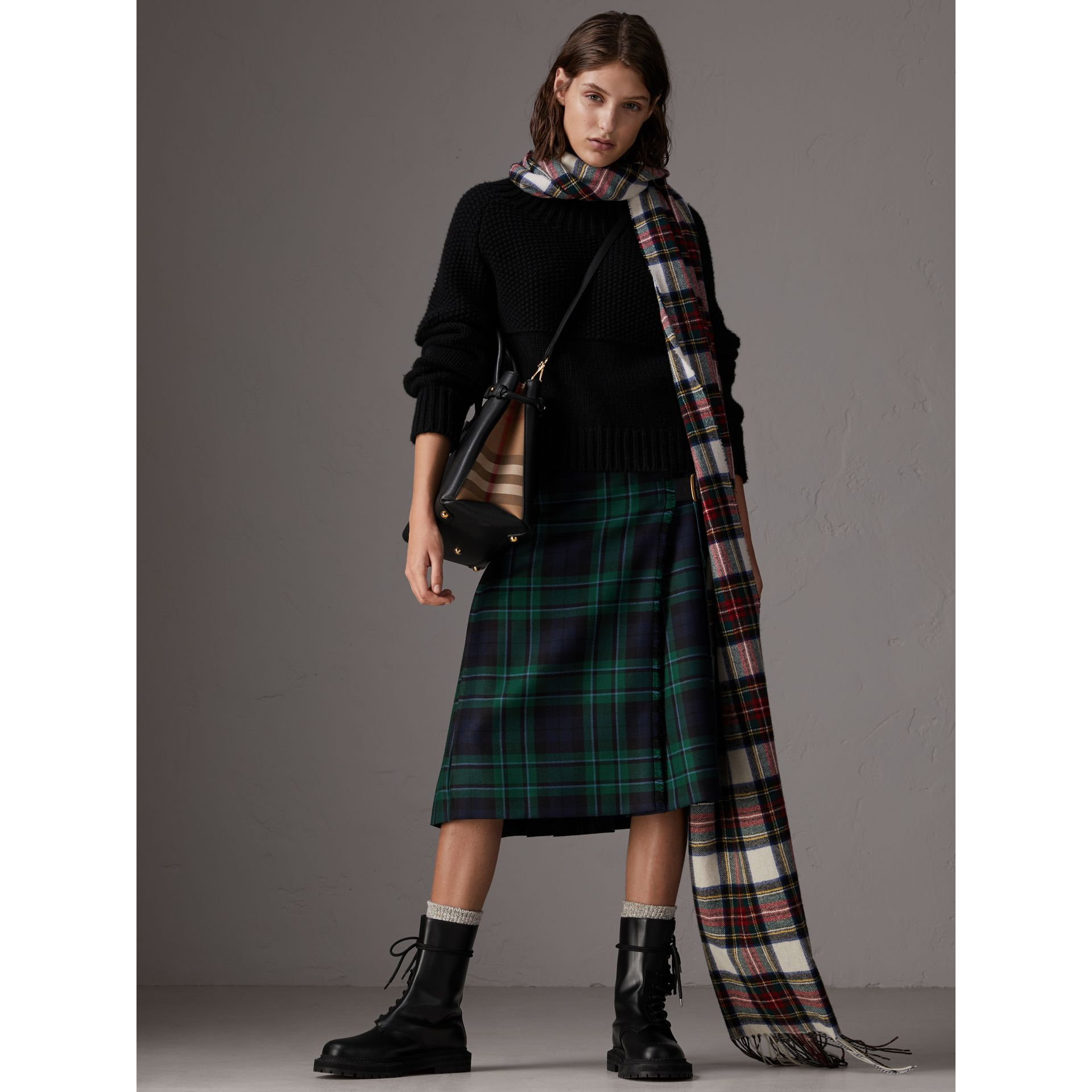 Sac The Banner moyen en cuir et coton House check (Noir) - Femme | Burberry Canada - photo de la galerie 2