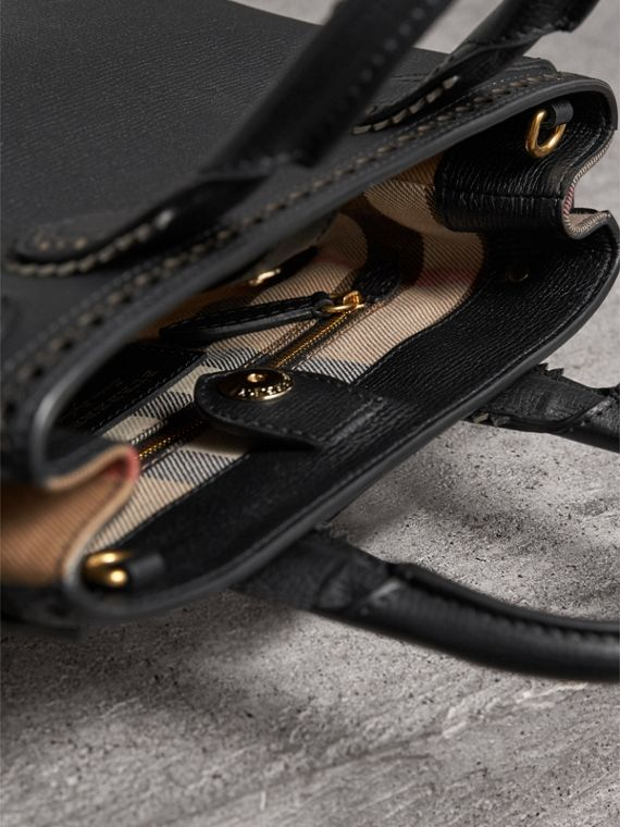 The Small Banner in Brogue Detail Leather in Black - Women | Burberry - cell image 3