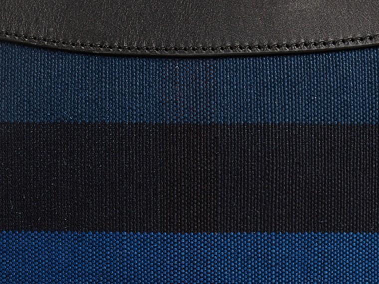 Bleu ultramarine Clutch Canvas check Bleu Ultramarine - cell image 1