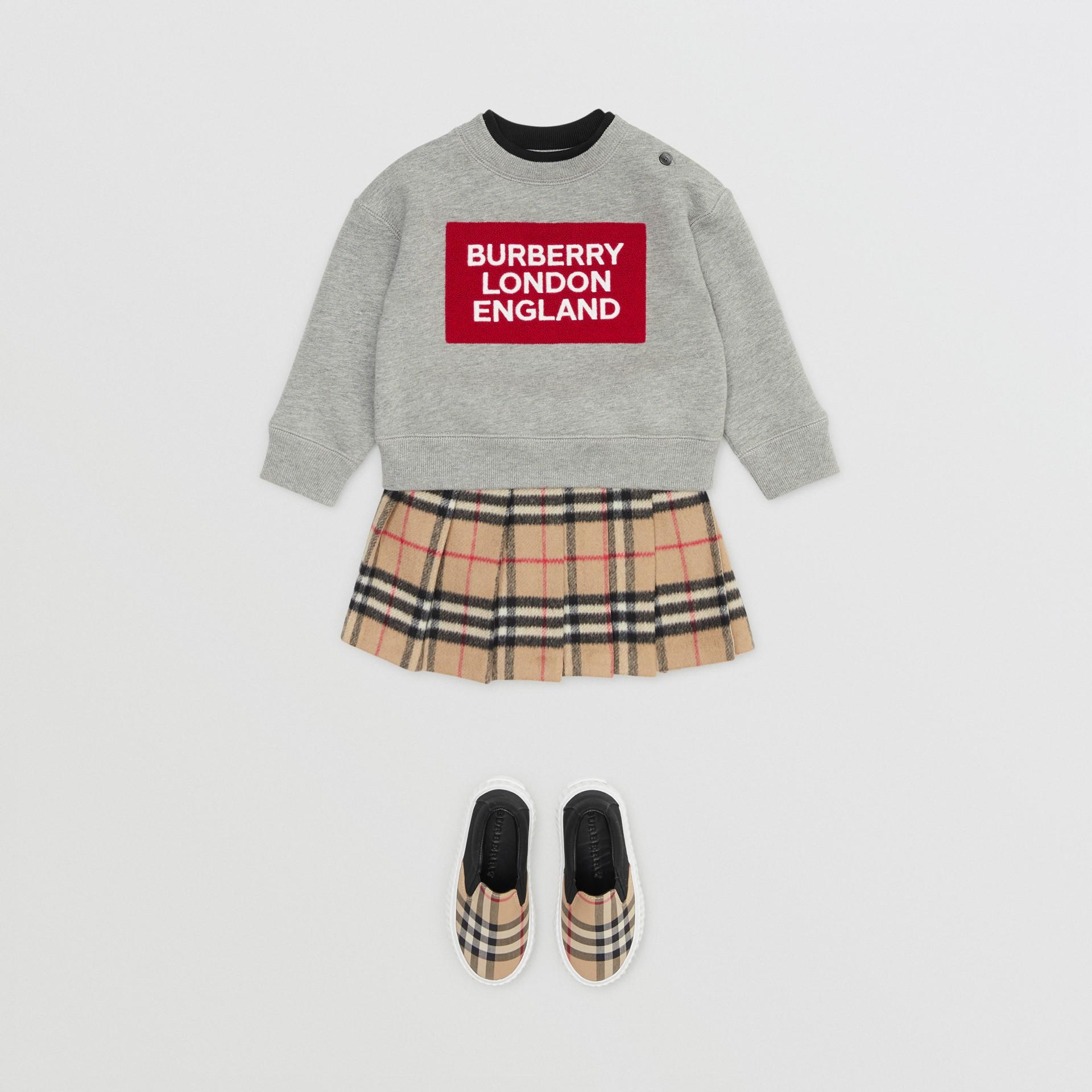 로고 디테일 저지 스웨트셔츠 (그레이 멜란지) - 아동 | Burberry - 갤러리 이미지 2