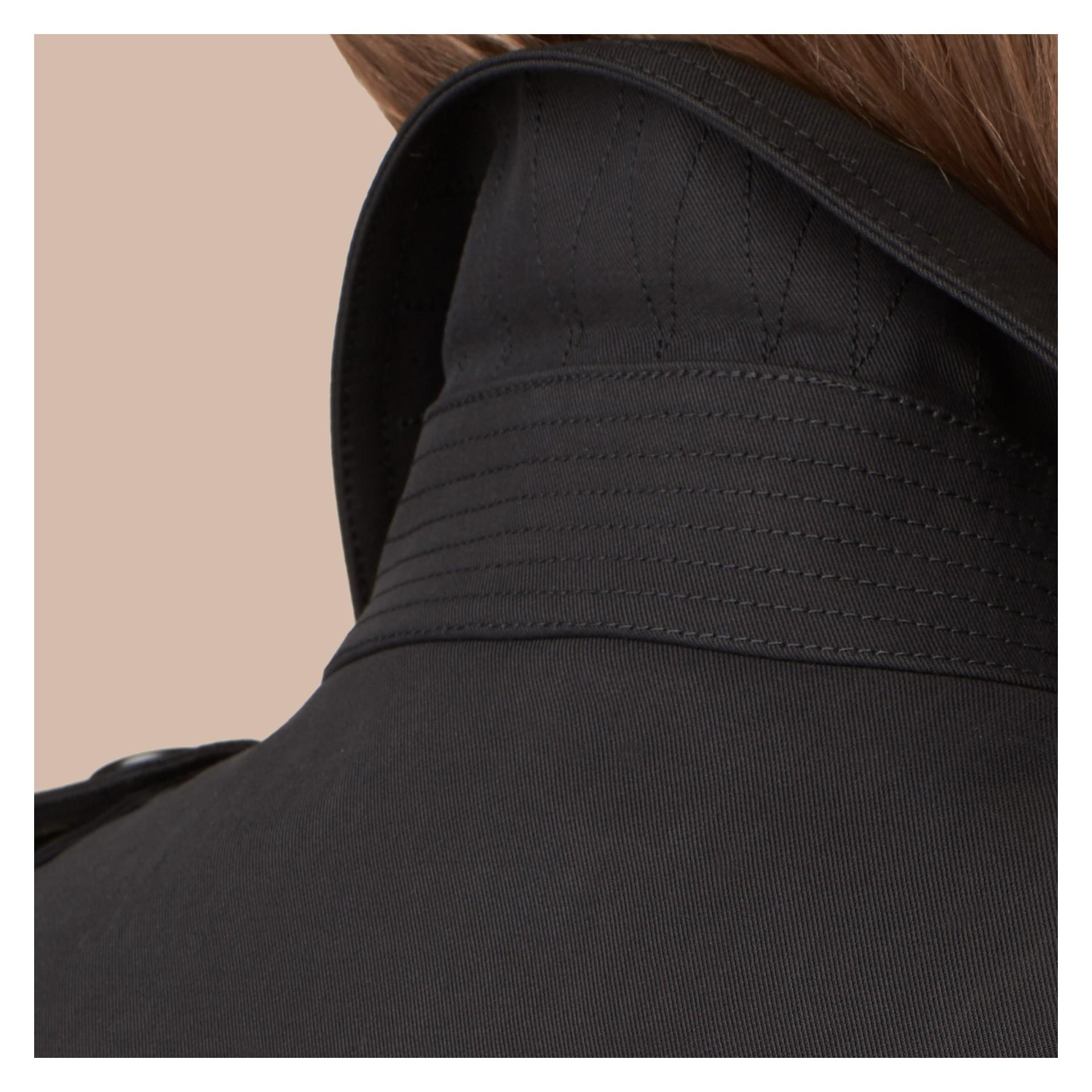 Preto Trench coat de gabardine de algodão Preto - galeria de imagens 2