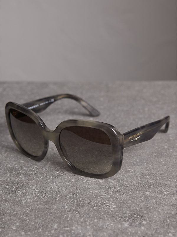 Square Frame Sunglasses in Grey - Women | Burberry Canada - cell image 2