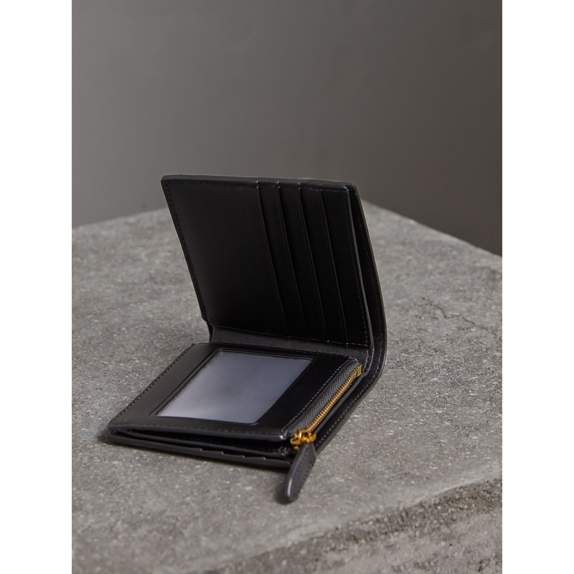 London Check International Bifold ID Coin Wallet in Chocolate/black - Men | Burberry - gallery image 4
