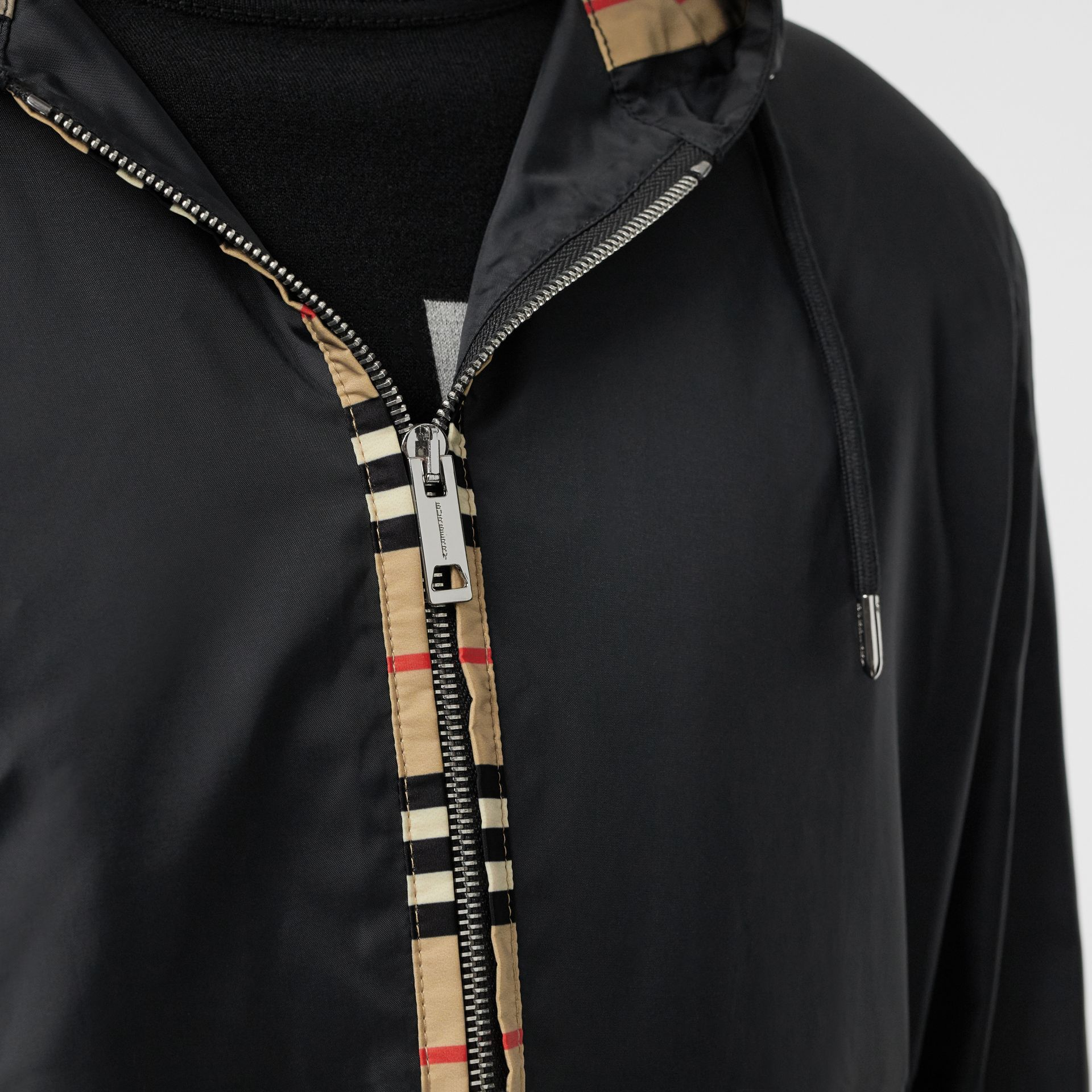 Icon Stripe Detail Nylon Canvas Hooded Jacket in Black - Men | Burberry Canada - gallery image 4