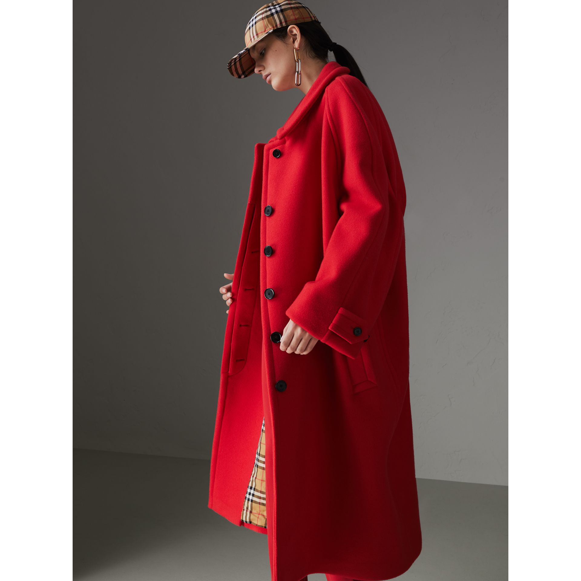 Double-faced Wool Cashmere Oversized Car Coat in Bright Red - Women | Burberry Australia - gallery image 4