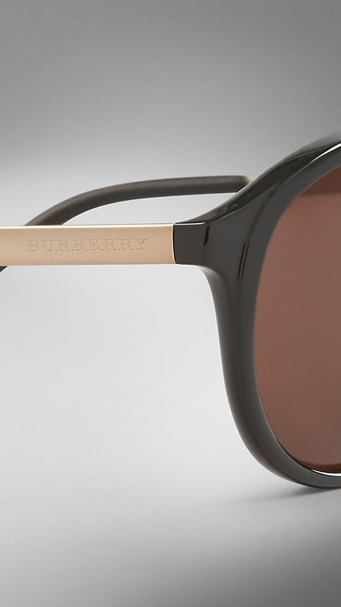 Black Trench Collection Round Frame Sunglasses - Image 5