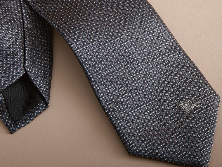 Modern Cut Beat Check Silk Tie - cell image 1