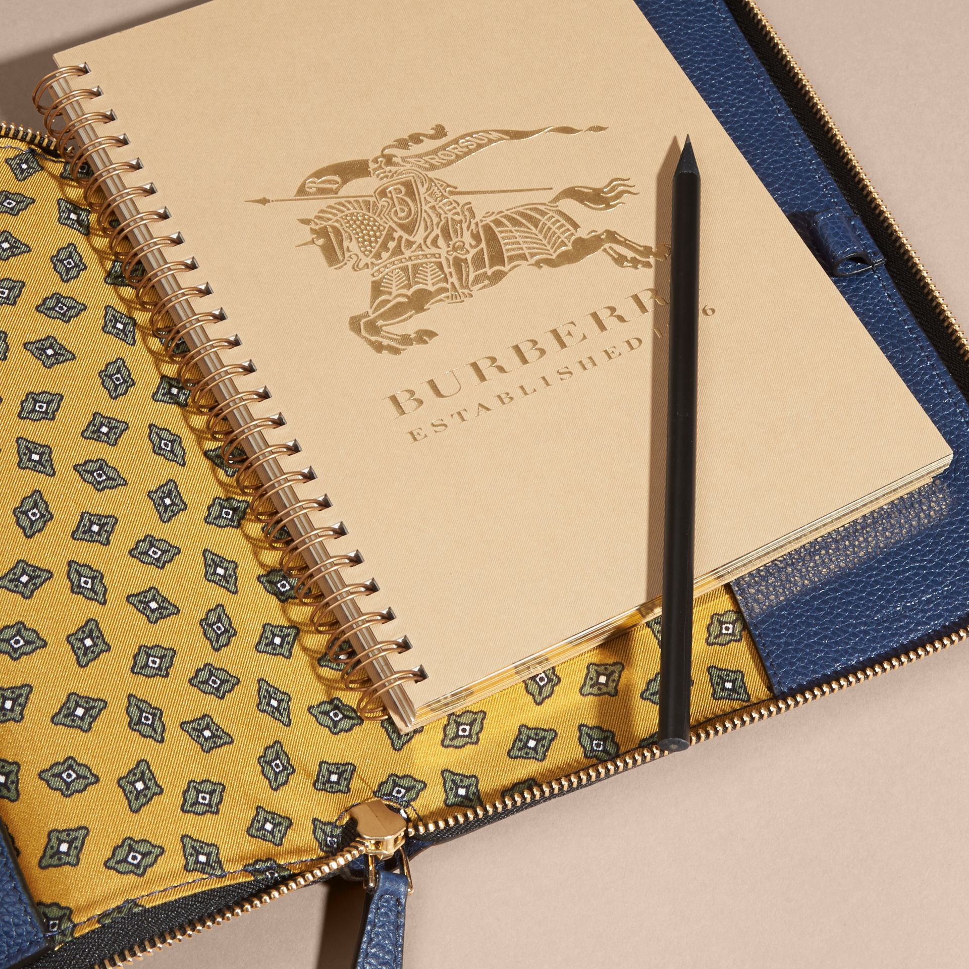 Bright navy Ziparound Grainy Leather A5 Notebook Bright Navy - gallery image 2