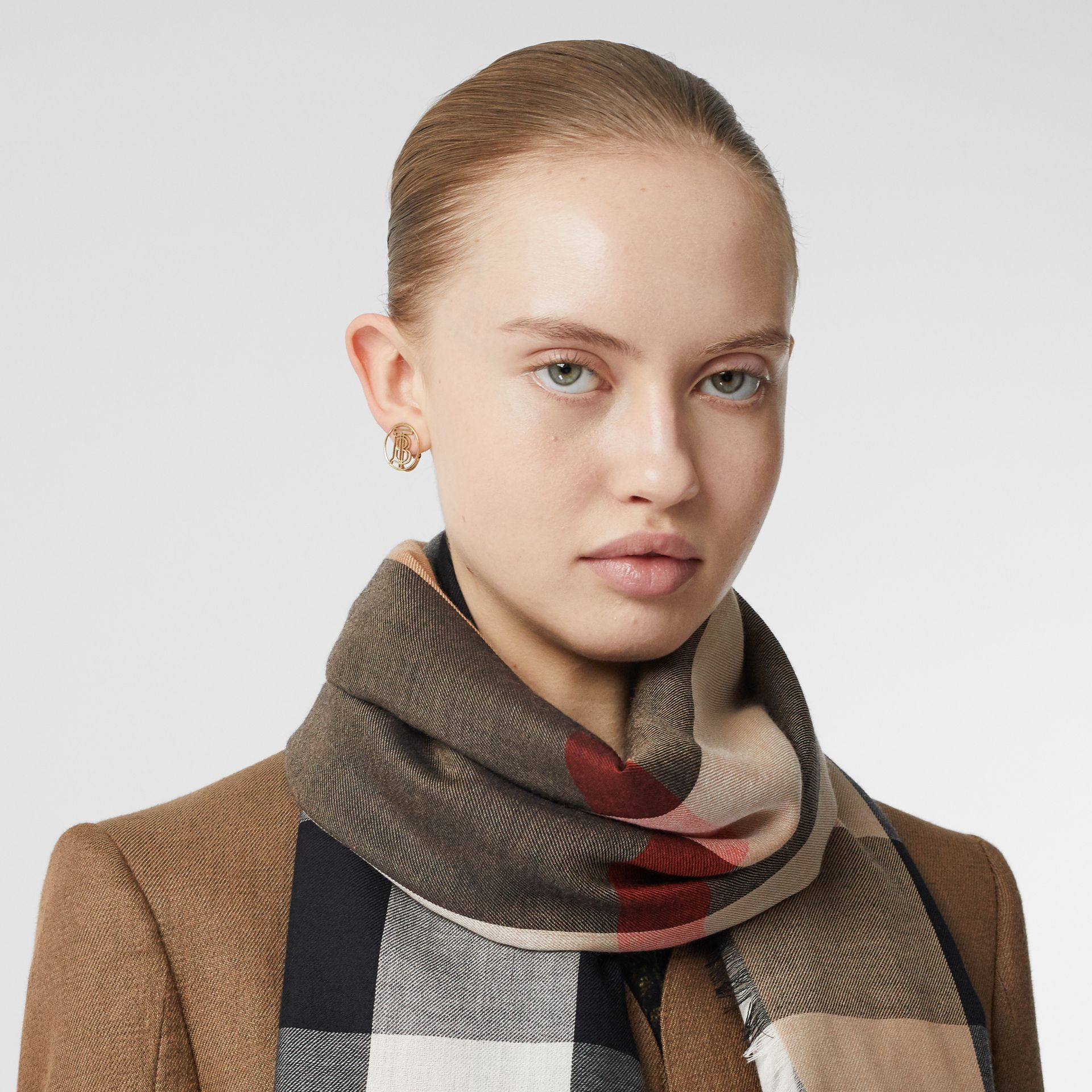 Lightweight Check Cashmere Scarf in Camel | Burberry - gallery image 2
