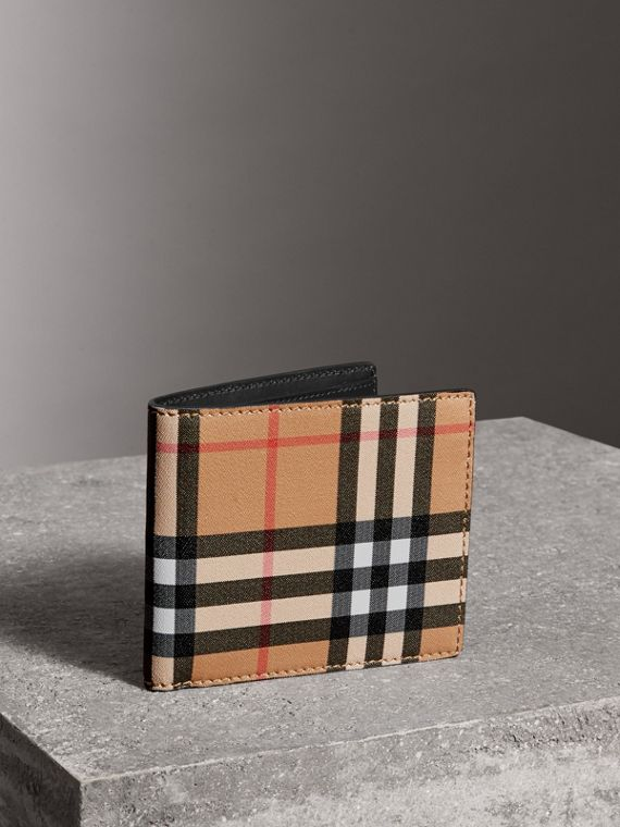 Vintage Check International Bifold Wallet in Black
