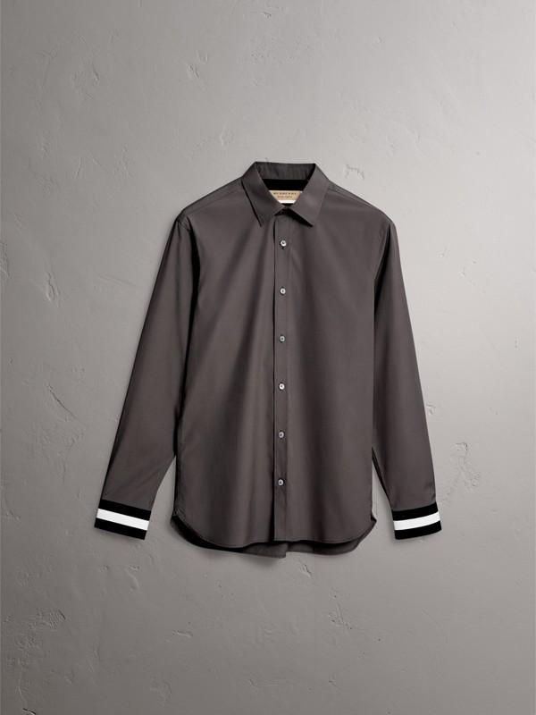 Camisa de algodão stretch com punhos listrados (Cinza Areia) - Homens | Burberry - cell image 3