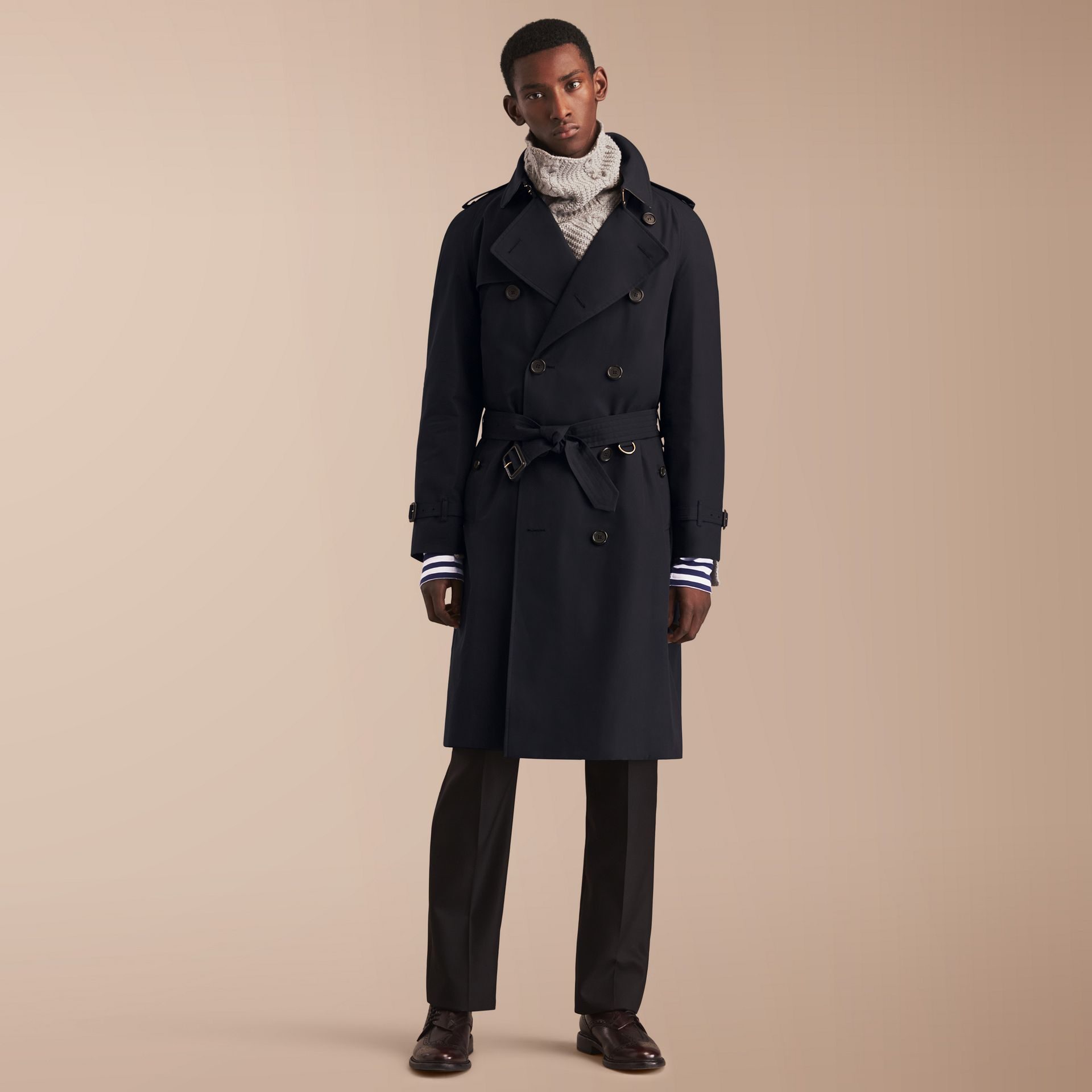 The Westminster – Long Heritage Trench Coat in Navy - Men | Burberry - gallery image 8