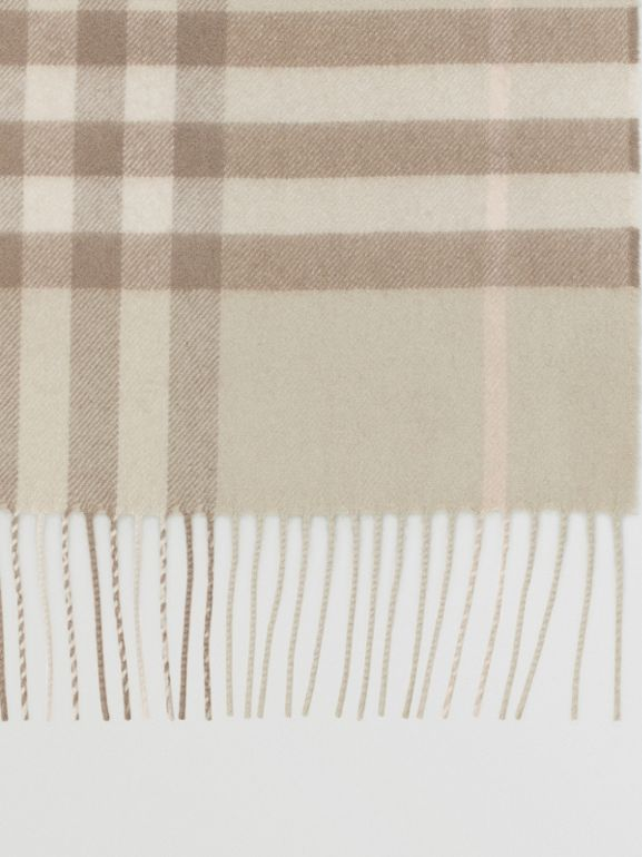 The Classic Check Cashmere Scarf in Green | Burberry - cell image 1